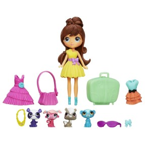 Boneca Littlest Pet Shop Travel Trendy Blythe & Pets Hasbro